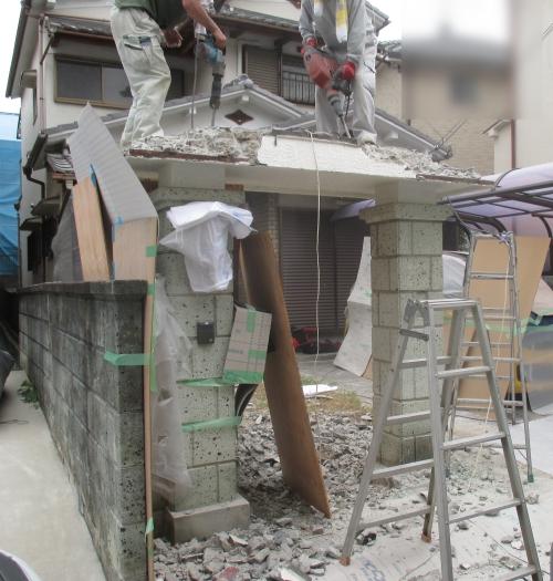 門柱の屋根解体工事