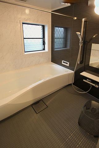 施工後:バスルーム1