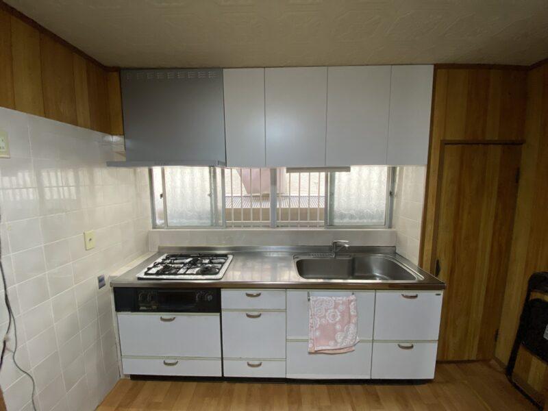 キッチン吊戸棚施工後
